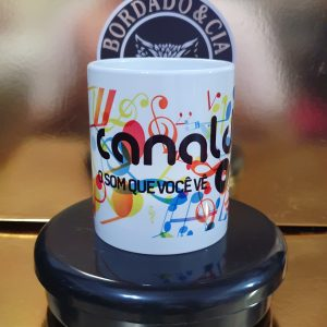Caneca Oficial - CANAL DJ - CC-CDJ-06 - Cifras Color by Bordado & Cia - @bordado.cia