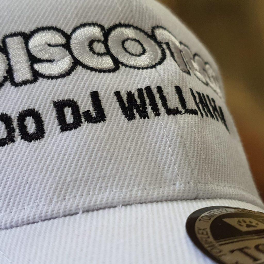 Boné Oficial Bordado da DISCOTECA DO DJ WILLINHA by Bordado & Cia - @bordado.cia @djwillinha