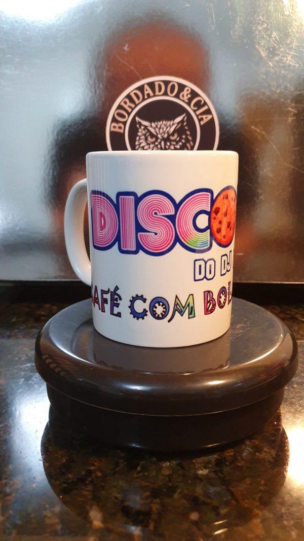Caneca Oficial do Café com Bolacha da Discoteca do DJ Willinha by Bordado & Cia - @bordado.cia @djwillinha