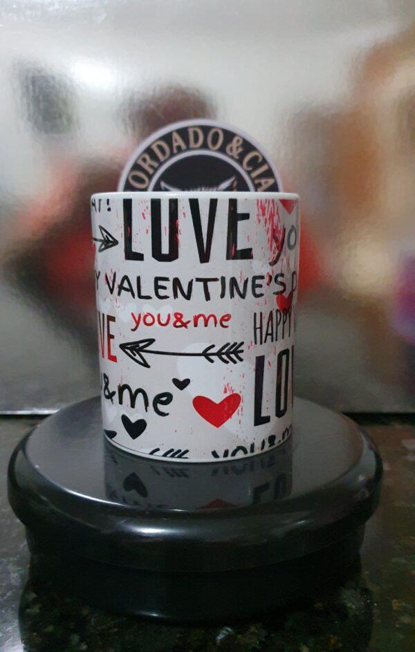 Caneca Dia dos Namorados - Love - by Bordado & Cia - @bordado.cia