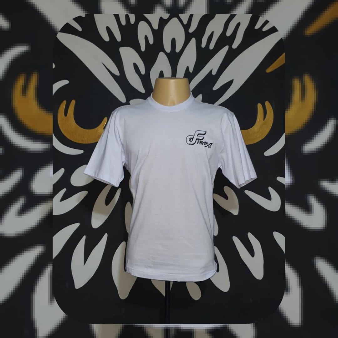 Camiseta Bordada DJ FRADA by Bordado & Cia - @bordado.cia; @djfrada