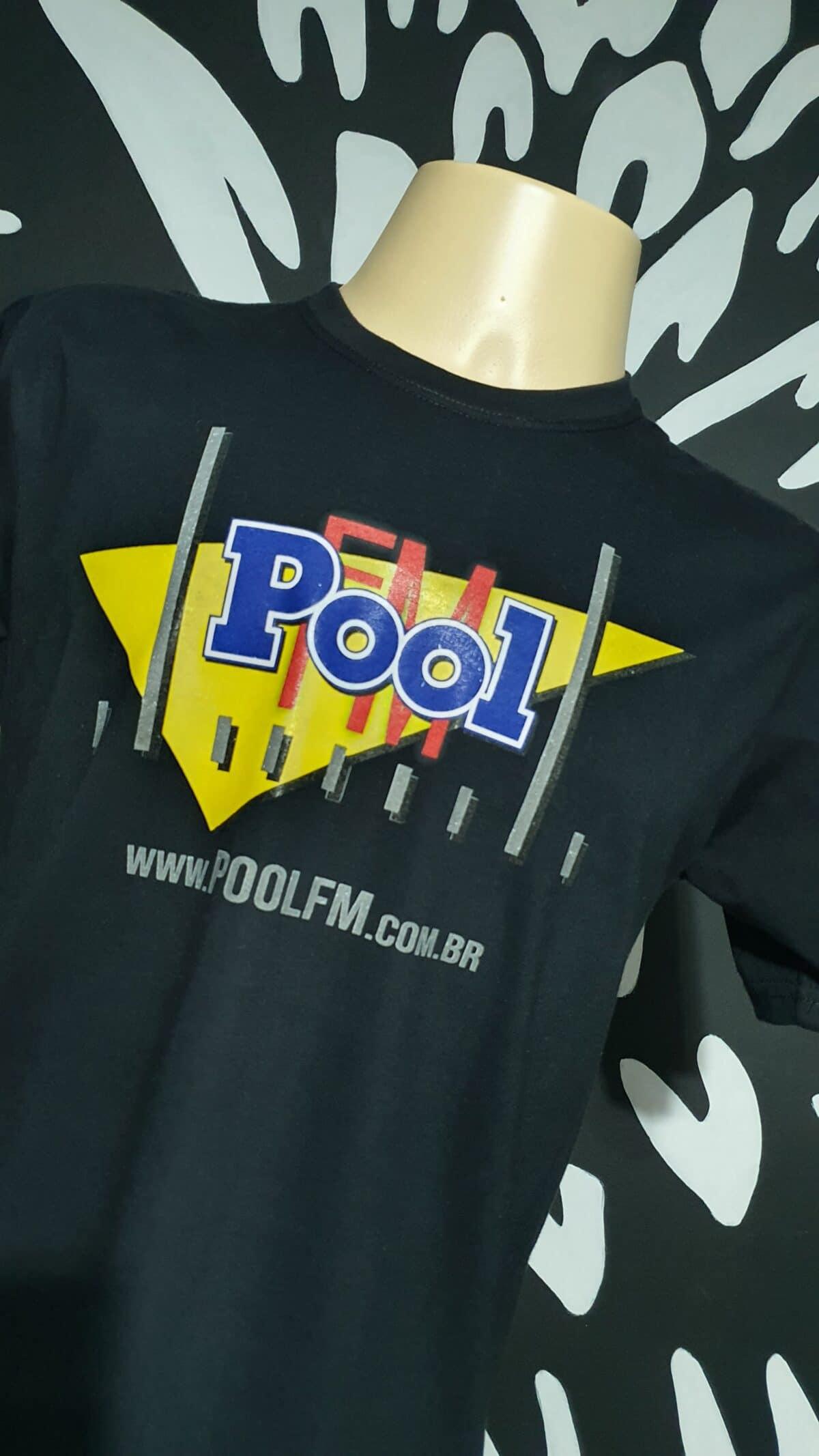 Camiseta POOL FM Vintage by Bordado & Cia - @bordado.cia; @poolfm